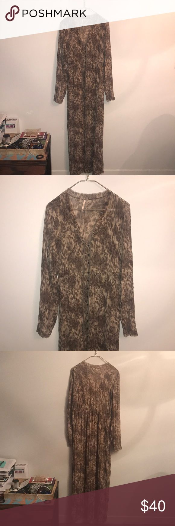 Free People maxi dress size large Worn 2 times - Free People leopard maxi dress - size large Free People Dresses Maxi