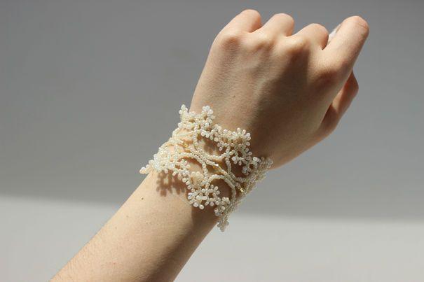Ручная одежда Кремовый свадебный кружевной браслет с размерной цепочкой.имитация фриволите