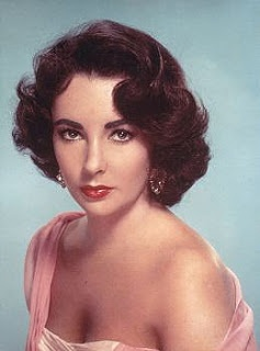 A little Liz.Vintage Hairstyles, 1950S Hairstyles, Elizabeth Taylors, Classic Beautiful, Elizabethtaylor, Movie Stars, Beautiful People, Liz Taylors, Actresses