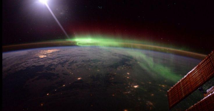 Tim Peake's space snaps capture the otherworldly essence of the Aurora Borealis http://feeds.mashable.com/~r/Mashable/~3/uvBWHp5xdNc/