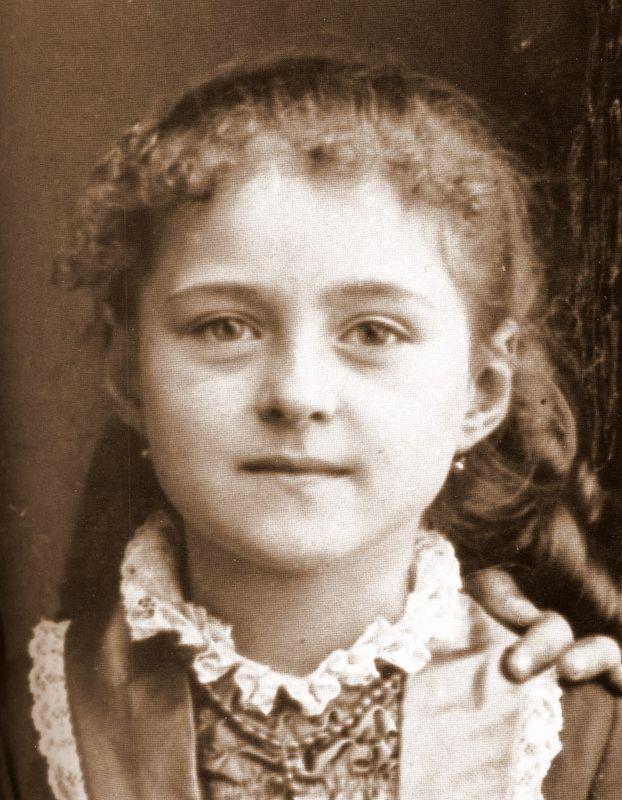 Мать Тереза в возрасте 7 лет, 1917 г.