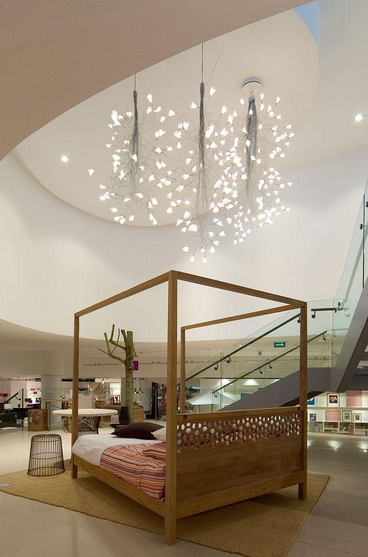 JOGG Pendants by Optelma. #LightingDesign #Lighting #Retail #Architecture #StoreDesign #InteriorDesign #Suspended #Pendant