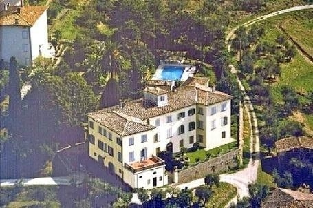 Italian Real Estate on Lucca Villa North Hills For Sale  Italy Real Estate  Tuscany Property