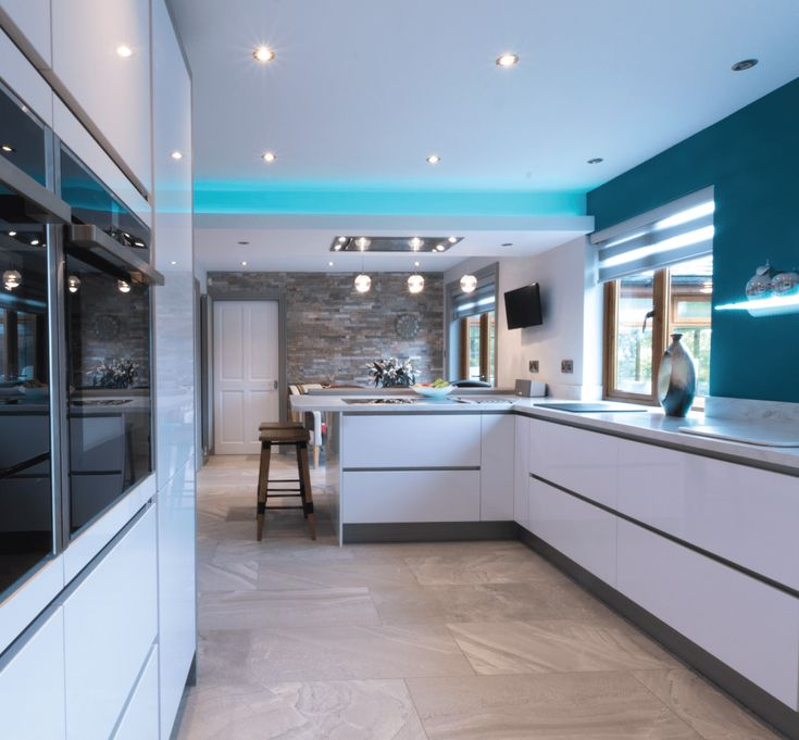 Visit the Kitchen Design Centre showroom in Manchester. Innovative award winning designer kitchens on display from the latest contemporary kitchens to traditional designs with a modern twist. Located at Housing Units and easily accessible from the M60 with parking on-site. Book a FREE home visit or call 01616815061