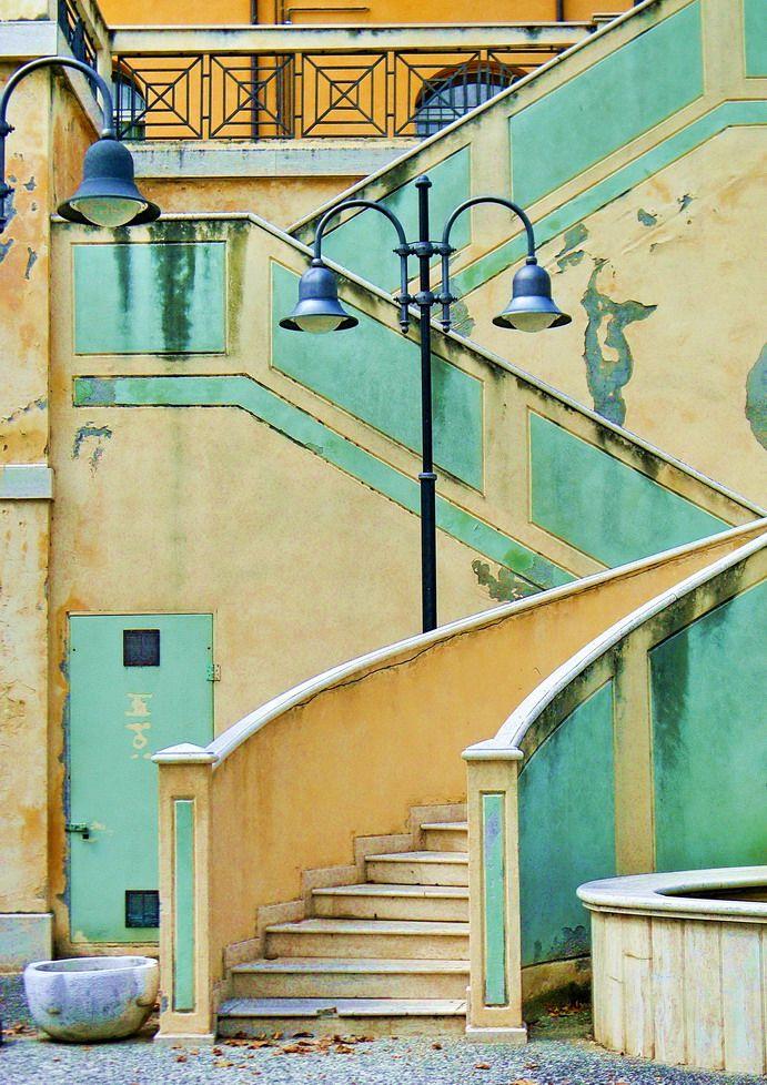 #Castrocaro Terme (FC). Scalinata della fontana di Piazza Martelli / foto di antenoremalatesta