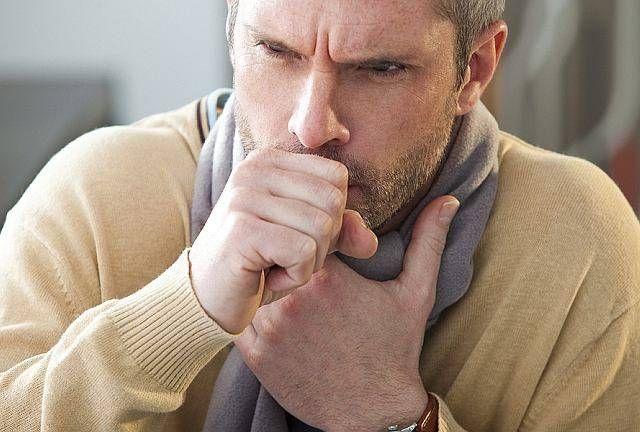 Obecna pora roku niestety sprzyja infekcjom bakteryjnym i wirusowym, które wywołują przeziębienia, zapalenie oskrzeli i kaszel. Często pierwszym objawem przeziębienia jest kaszel, który trwa od kilku dni do nawet 2-3 tygodni. Na szczęście jednak wcale nie