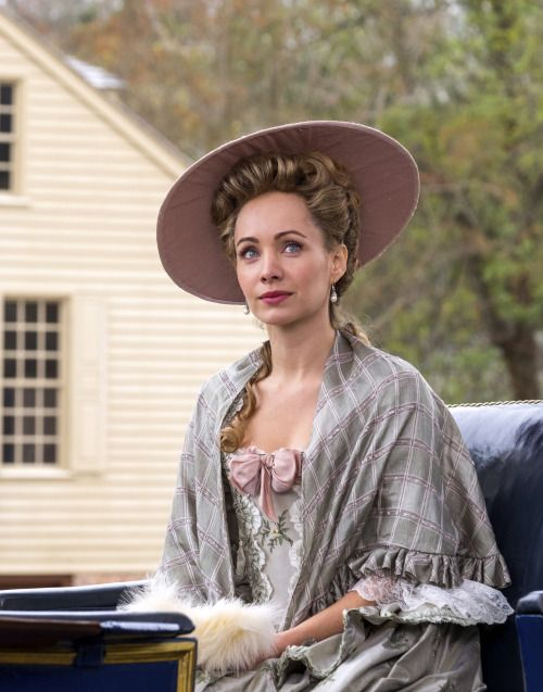 Ksenia Solo as Peggy Shippen in Turn: Washington's Spies (TV Series, 2016). [x] © AMC Networks, Antony Platt