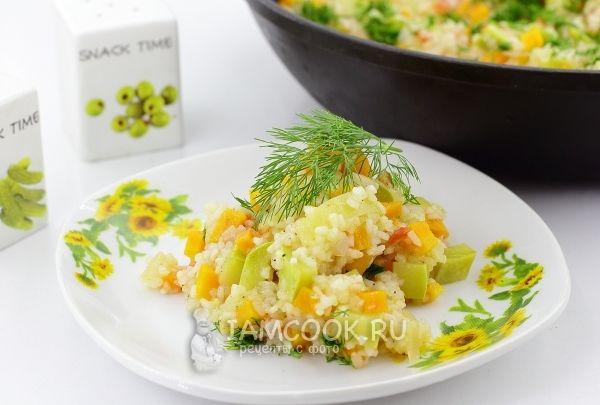 Фото овощного рагу с рисом и кабачками