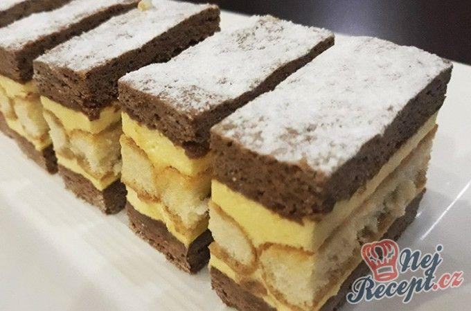 Krémové vanilkové řezy s chutí kávy | NejRecept.cz
