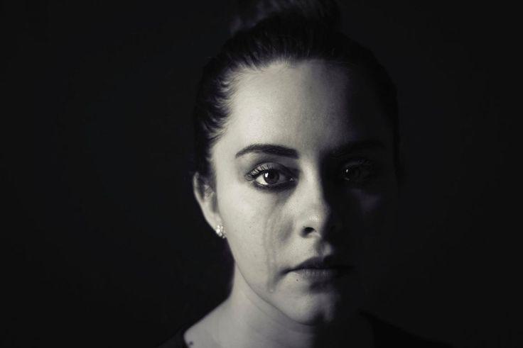 Die Ursachen für Depressionen sind vielfältig und dazu gehört manchmal auch der Job. Tatsächlich lässt sich zwischen einigen Berufsbildern und Depressionen ein enger Zusammenhang feststellen. Aber wieso? Und welche sind das?   #Beruf #Burnout #Depression #depressiv #Krankheit #Krankheitsverlauf #Psychologie #Selbsttest #Symptome