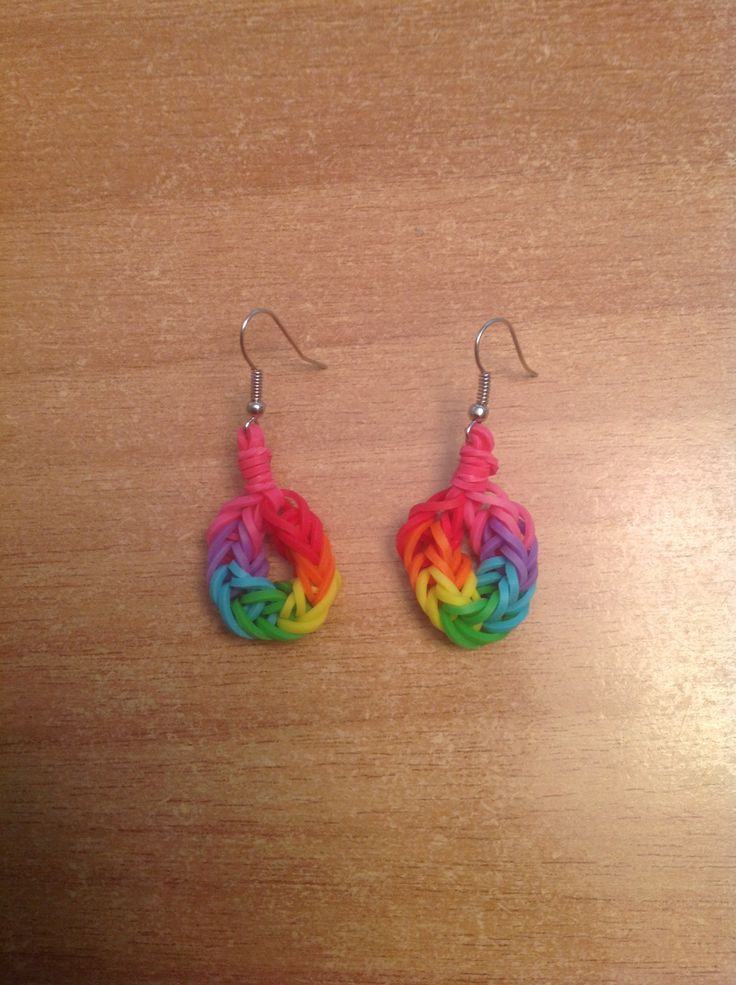 Rainbow Loom earrings now I have something to put on my extra earrings