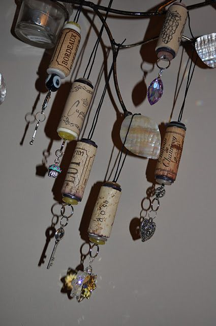 Here's another idea for corks that I would NEVER have thunk... Wine cork ornaments