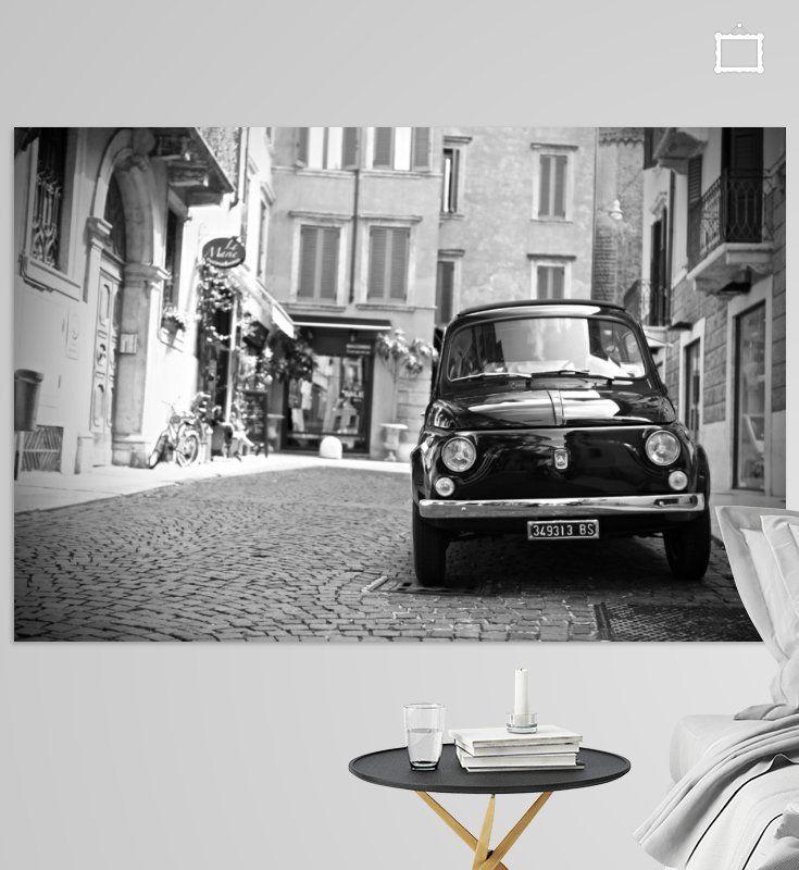 BW foto van een Fiat 500 oldtimer in een typisch Italiaans straatje van de stad Verona in Italie. #Italie #Italia #Fiat500 #Fiat #BWPhoto #PhotoArt #Art #BW #Fotografie #Photography #Wanddecoratie #zwartwitfoto #interior #interieur