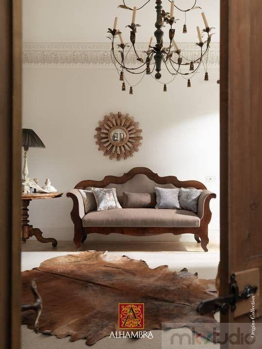 #brąz #brązowy #brown #wnętrze #salon #dekoracje #dekoracjewnętrz #interior #wnetrza #kanapa #sofa #livingroom #aranżacja #architekt #mkstudio #tkaniny #tkaninyobiciowe #drewno #stylowo >> http://www.mkstudio.waw.pl/dekoracje/tkaniny-obiciowe/