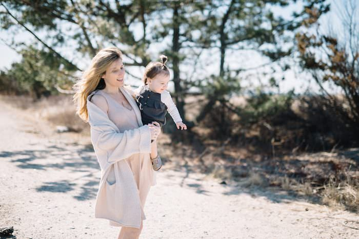 Neutral Maternity Dress and a 22 week bump update! Maternity Style in a Maternity dress