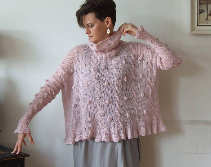 Maglione oversize rosa polveroso, maglia intrecciata con bolle, alzata di mano a maglia poncho ritagliata, avant garde ritagliata maglione capelet Couvert