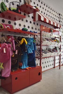 decoracion locales de ropa infantil buscar con google