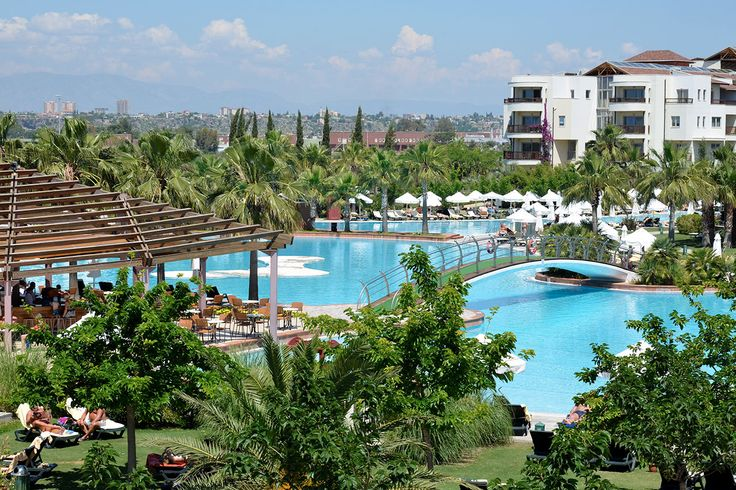 Barut Hotel Lara Resort Spa & Suites | Antalya, Turkki | Signature-hotelli Tjäreborgilta
