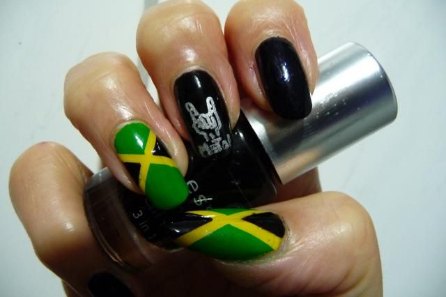 Nails for the 70000 tons of metal cruise to jamaica.  Plate: Fab ur nails FUN1