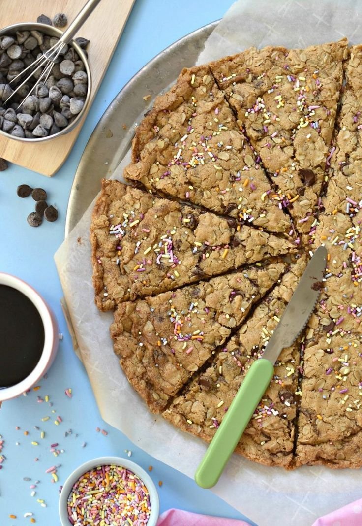 giant oatmeal chocolate chip cookie #vegan #glutenfree
