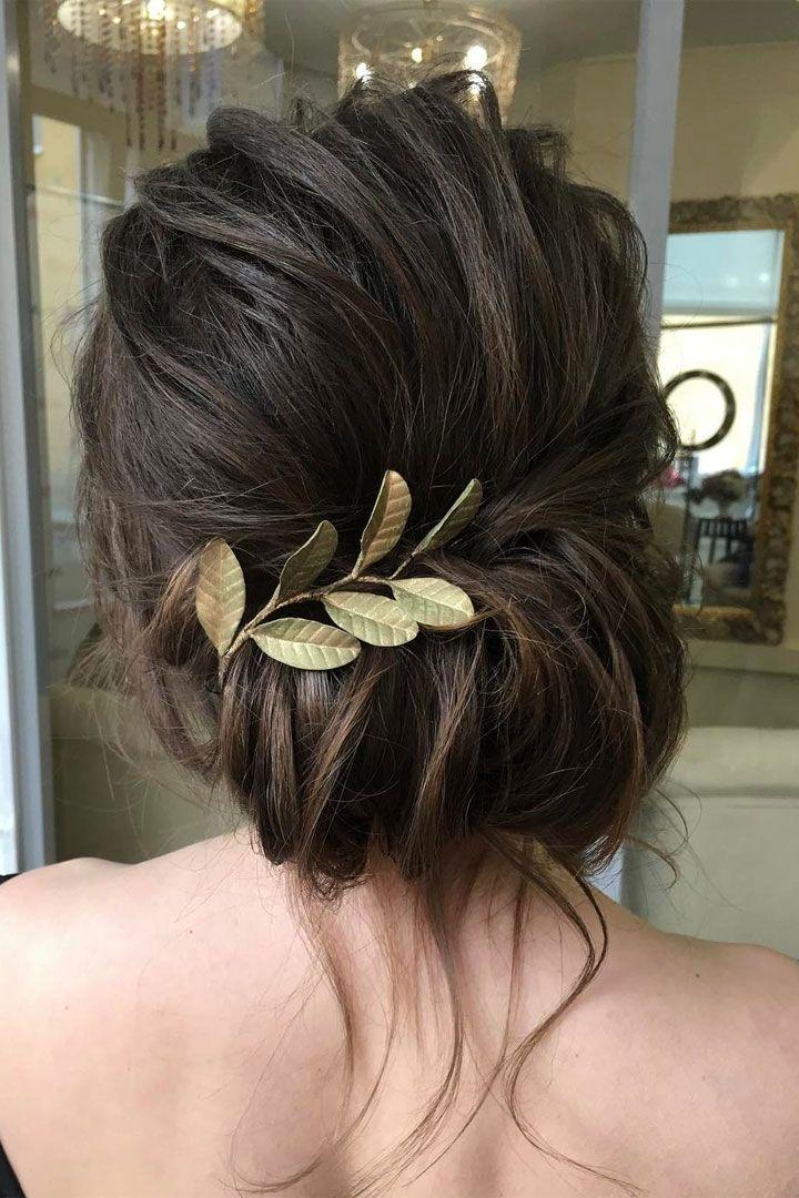 Messy updo wedding hairstyle idea - bridal hair inspiration #weddinghair #updo #upstyle #weddinghairstyle #hairstyle #hairideas #updohairstyle