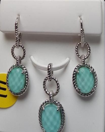 Jewelry and Trips. Great for Mother's day. Genuine gemstones on sterling silver, many 3 pc sets (earrings, pendant, ring), great quality plus resort stays in Cancun and Las Vegas. !!  ONLINE bidding only.