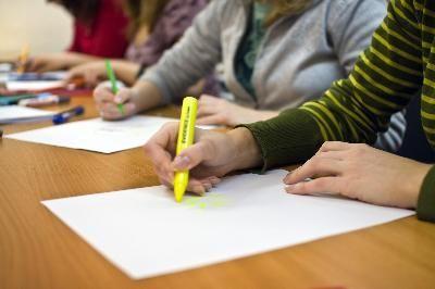 Lista de frases o palabras positivas para las conferencias de padres y maestros | eHow en Español