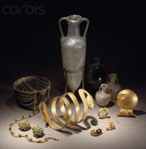 Jewelry and Glassware From Pompeii Museo Archeologico Nazionale,Naples