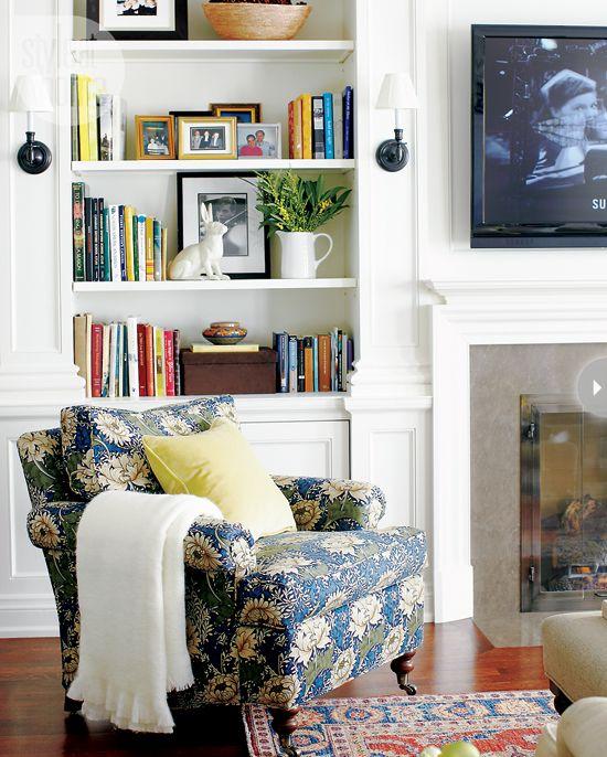love the armchair <3