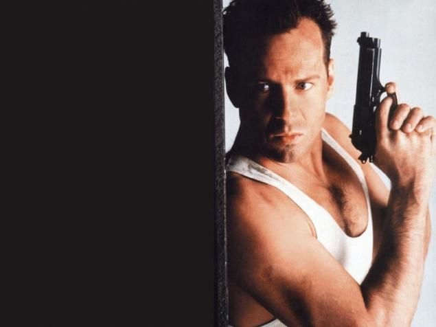 392 best DIE HARD images on Pinterest | Bruce willis, Moonlight ...