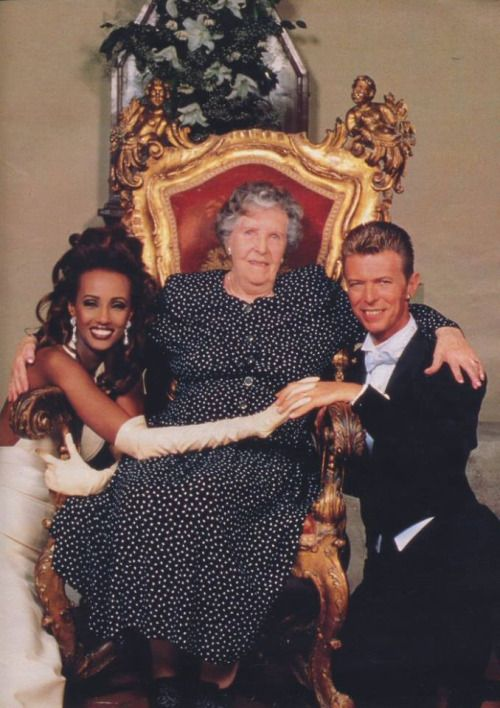 David Bowie and his wife  Iman with David's mum Peggy Jones 90s.