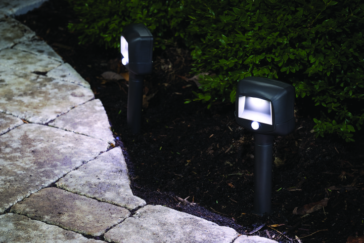 Mr Beams® outdoor LED battery-powered Path Lights with motion and light sensors. Easily light up driveways, paths, walkways, decks, porches and stairs.