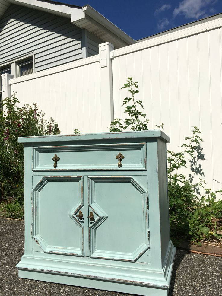 Nightstand After Distressed Rustoleum Chalk Paint