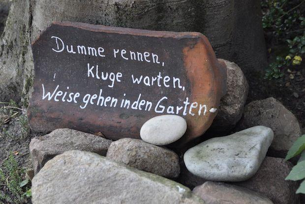 Weise gehen in den Garten