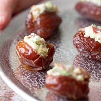 bacon and cheese stuffed dates