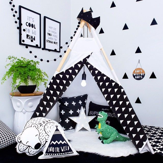oh.eight.oh.nine / the boo and the boy: wall decals