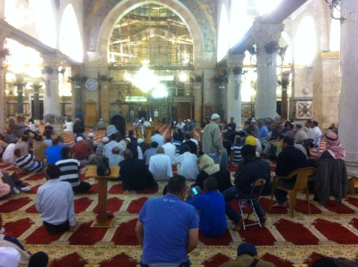 اجواء رمضانية مبكرة من المسجد الاقصى الان ،،،،،، يا رب بلغنا رمضان لا فاقدين ولا مفقودين   Motaz