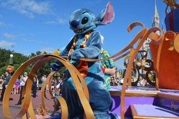 Walt Disney World Park Hours, fireworks and parade times, Disney World park hours#ferrytalewishes#ferrytalewishes