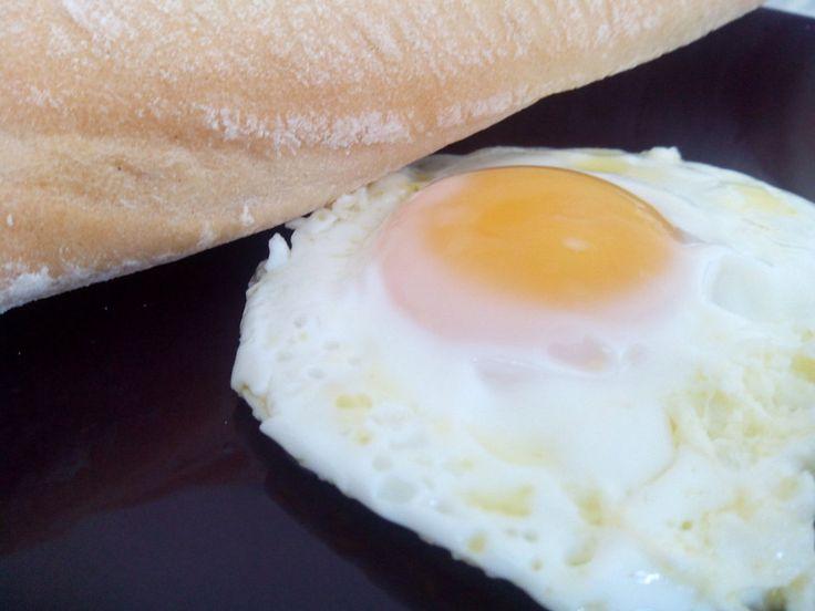 Ideas que mejoran tu vida.Freir un huevo en el microondas.