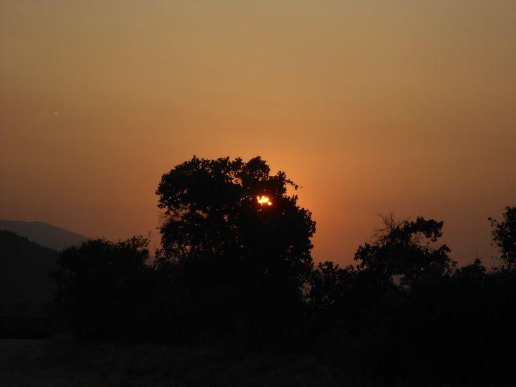 Letni zachód słońca w Tsavo