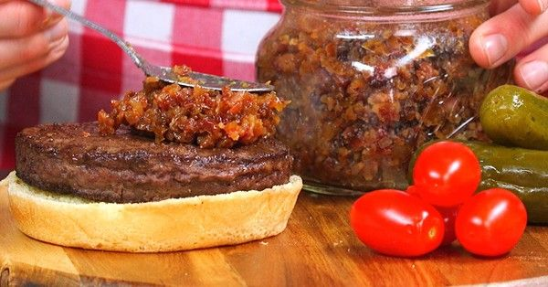 Slow Cooker Bacon Jam is a Bacon Lover's Dream Come True NOW THIS IS SOMETHING ALL THE MEN IN MY LIFE WOULD LOVE FROM HUSBAND, SONS, & GRANDSONS .  !!!   LOL