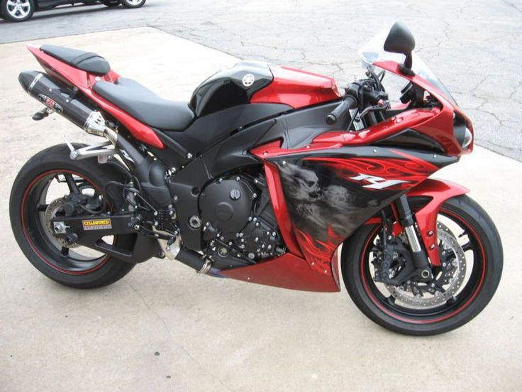 2011 Yamaha R1 for sale 2011 with only 860 Original miles. Bike is a local one owner trade and is allready decked out with a lot of good stuff This bike has never been down or even scratched