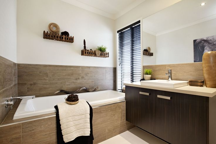 Carlisle Homes - Thompson 35 Bathroom