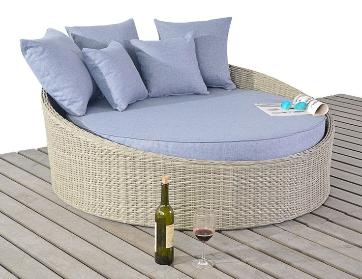 http://www.bonsoni.com/bonsoni-small-daybed-includes-a-circular-bed-with-a-thick-base-cushion-and-matching-scatter-cushions-rattan-garden-furniture  The Small Daybed includes a circular bed with a thick base cushion and matching scatter cushions for added comfort.    http://www.bonsoni.com/bonsoni-small-daybed-includes-a-circular-bed-with-a-thick-base-cushion-and-matching-scatter-cushions-rattan-garden-furniture