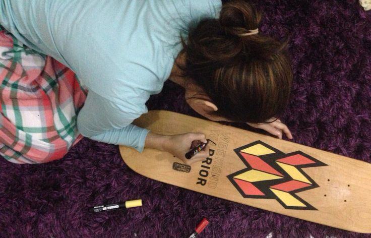 Drawing the deck hahahaa skateboard awur awurannn