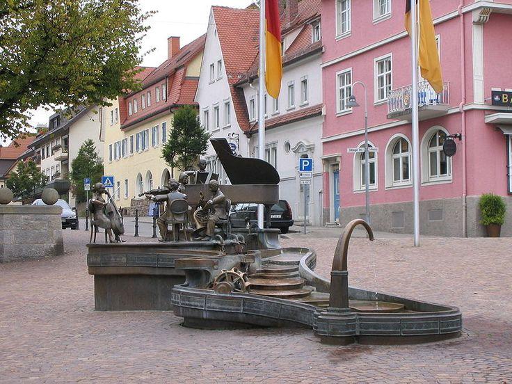 :Donaueschingen Musikantenbrunnen.