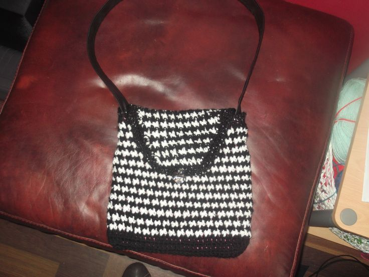 hounds tooth crochet bag