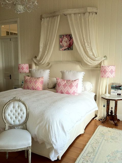 I love how fresh this Pink and White Room looks.  Very soft and feminine without being over the top.