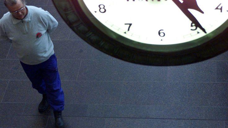 Ruotsissa kokeiltiin kuuden tunnin työpäivää täydellä palkalla – tuottavuus parani  - Oma raha - Ilta-Sanomat