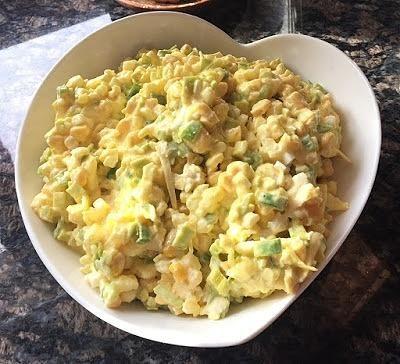 Żółta sałatka do obiadu